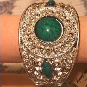 New w Tags Green Gem Silver Fashion Bracelet